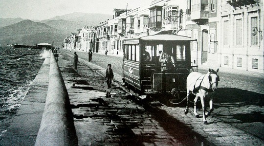 Η ήρεμη ζωή στη Σμύρνη ταράζεται το 1922