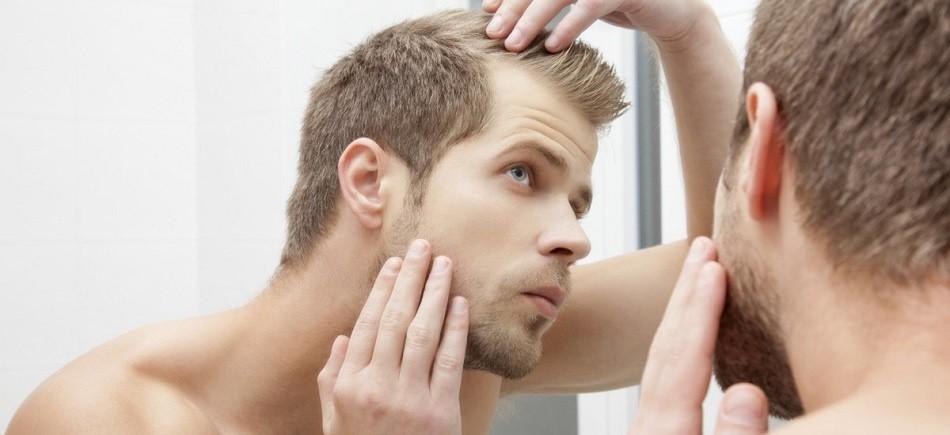 Γιατί οι άνθρωποι χάνουν τα μαλλιά τους όταν γερνάνε;
